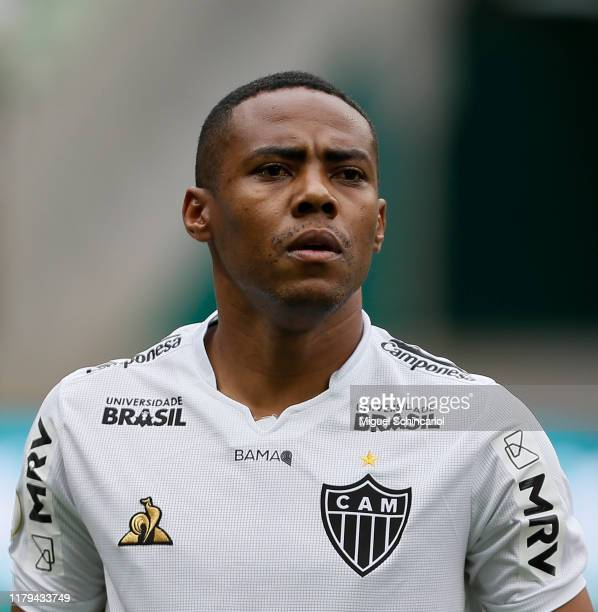 Elias of Atletico MG looks on prior to a match between Palmeiras and Atletico MG for the Brasileirao Series A 2019 at Allianz Parque on October 06...
