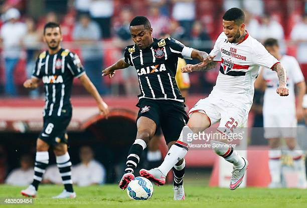 Elias of Corinthians and Bruno of Sao Paulo in action during the match between Sao Paulo and Corinthians for the Brazilian Series A 2015 at Morumbi...