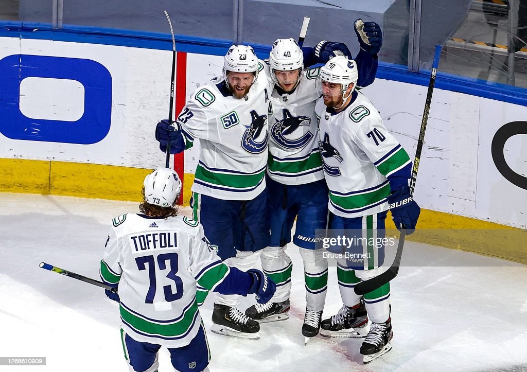Vancouver Canucks v Vegas Golden Knights - Game Two : Photo d'actualité