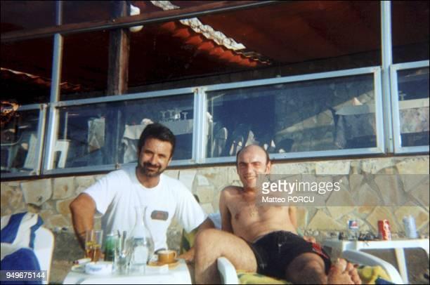 Elie Kakou sur la plage du restaurant l'Abri Cotier a Marseille en 1996 Elie Kakou sur la plage du restaurant l'Abri Cotier a Marseille en 1996