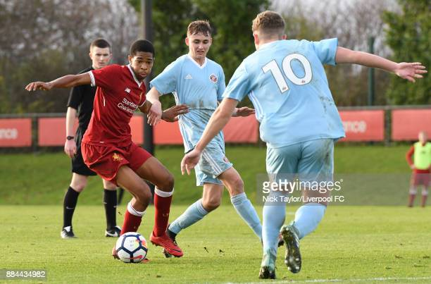 Elijah DixonBonner of Liverpool and Lee Connelly and Jake Hackett of Sunderland in action during the Liverpool v Sunderland U18 Premier League Cup...