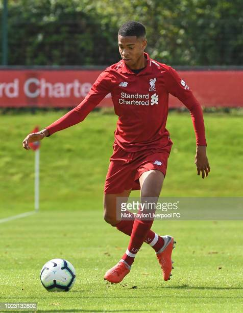 Elijah DixonBonner of Liverpool in action during the Liverpool U18 v West Bromwich Albion U18 game at The Kirkby Academy on August 25 2018 in Kirkby...