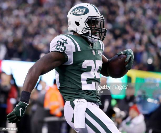 Elijah McGuire of the New York Jets carries the ball in for the two point conversion in the fourth quarter against the Kansas City Chiefs on December...