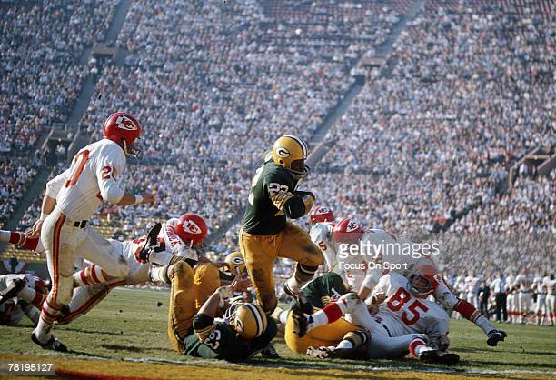 Elijah Pitts of the Green Bay Packers carries the ball against the Kansas City Chiefs during Super Bowl I on January 15 1967 at the Memorial Coliseum...