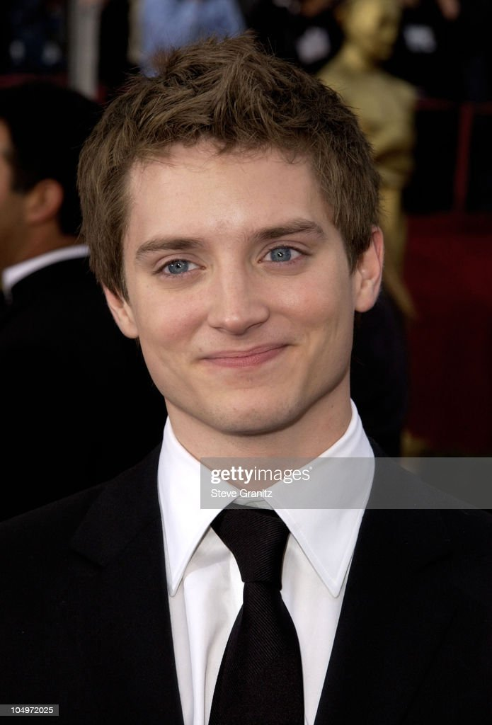 Elijah Wood during The 74th Annual Academy Awards - Arrivals at Kodak Theater in Hollywood, California, United States.