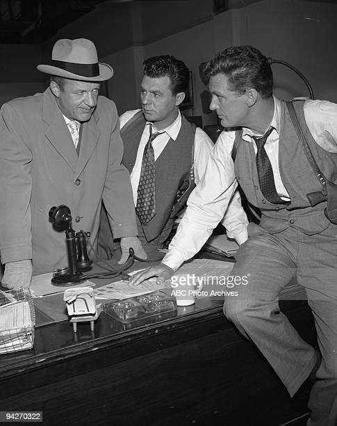 THE UNTOUCHABLES Eliot Ness turns to Lt Agatha Stewart to find the daughter of dying mobster Charley Radick in exchange for the organization's books...