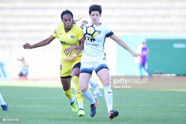 Elisa De Almeida of Paris FC and Marie Antoinette Katoto of PSG during the women's Division 1 match between Paris FC and Paris Saint Germain on...