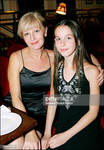 """Elisa Servier and daughter Manon at Dinner For The 200th Of """"Honeymoon"""" At The Cafe Guitry's Edouard VI Theatre ."""