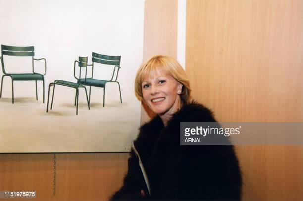 Elisa Servier lors d'une vente aux enchères au Palais des Congrès à Paris le 22 mars 1999, France.