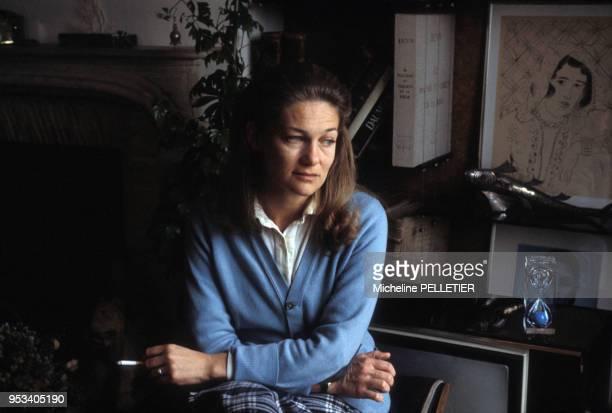 Elisabeth Badinter chez elle à Paris le 6 avril 1983 France