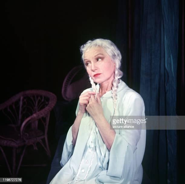 Elisabeth Bergner als Mary Tyrone in Eines langen Tages Reise in die Nacht Die Bergner war in den 20er Jahren eine der berühmtesten Schauspielerinnen...