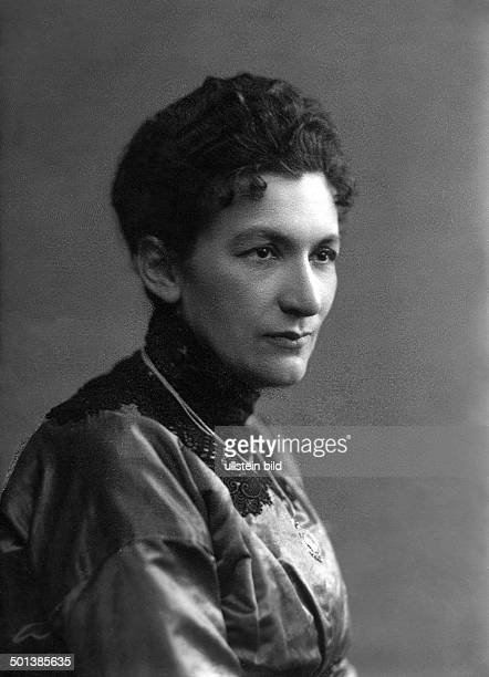 Elisabeth Broenner German teacher and politician Member of the German National Assembly 1919 from Koenigsberg / East Prussia Portrait around 1919...