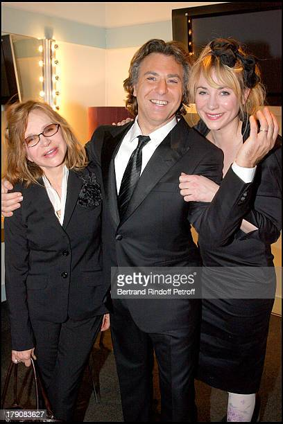 """Elisabeth Depardieu, Roberto Alagna and Julie Depardieu at """"Sicilien"""" - Tenor Roberto Alagna Performs Traditional Sicilian Songs At L'Olympia."""
