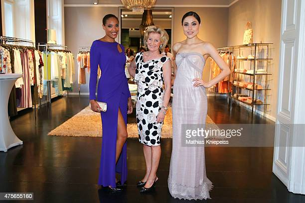 Elisabeth Guertler poses with models during Escada 'Fete Imperiale' 2015 on June 2 2015 in Vienna Austria