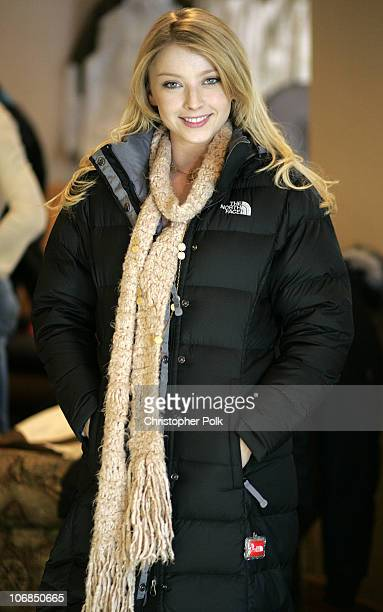 Elisabeth Harnois from the new TV show Point Pleasant' with The North Face *Exclusive*
