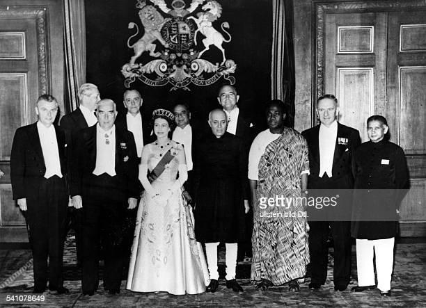 Elisabeth II *Koenigin von GB seit 1953 empfaengt die Ministerpraesidenten der CommonwealthLaender darunter Nehru