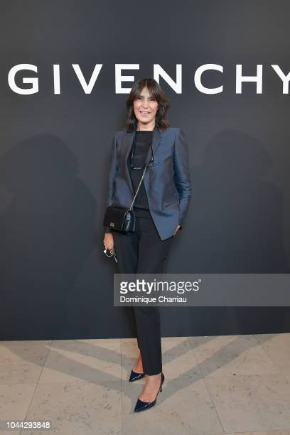 Elisabeth Lazaroo attends the L'Interdit Givenchy Photocall as part of the Paris Fashion Week Womenswear Spring/Summer 2019 on October 1 2018 in...