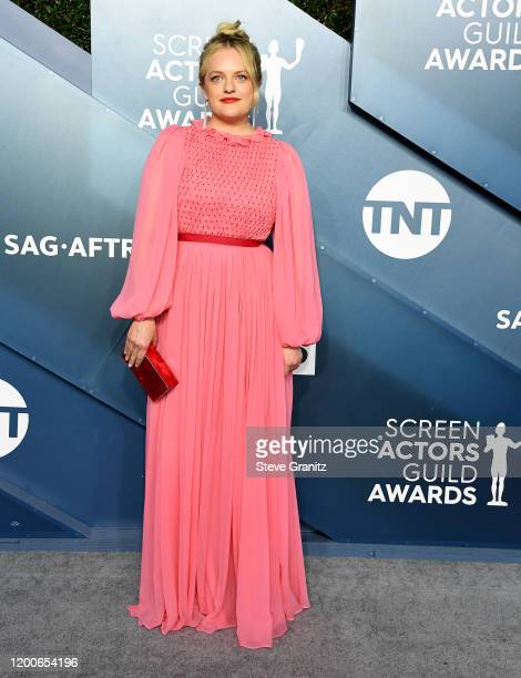 Elisabeth Moss arrives at the 26th Annual Screen Actors Guild Awards at The Shrine Auditorium on January 19, 2020 in Los Angeles, California.
