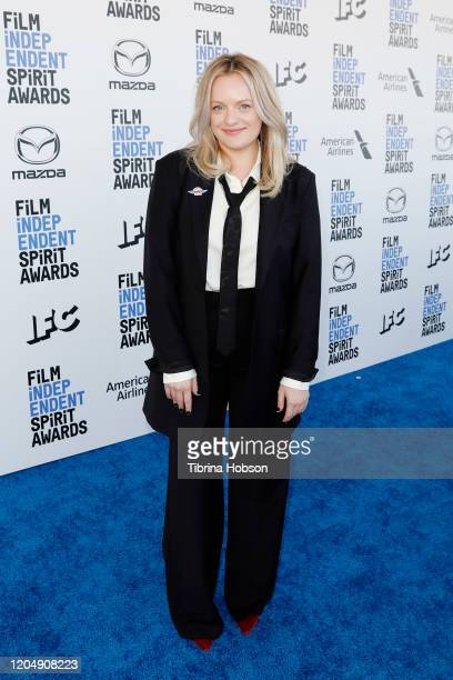 Elisabeth Moss attends The 2020 Film Independent Spirit Awards with American Airlines at The 2020 Film Independent Spirit Awards on February 08, 2020...