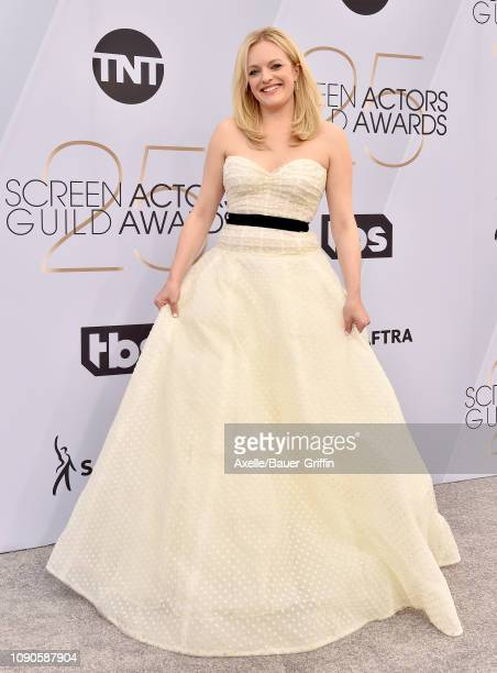 Elisabeth Moss attends the 25th Annual Screen Actors Guild Awards at The Shrine Auditorium on January 27, 2019 in Los Angeles, California.