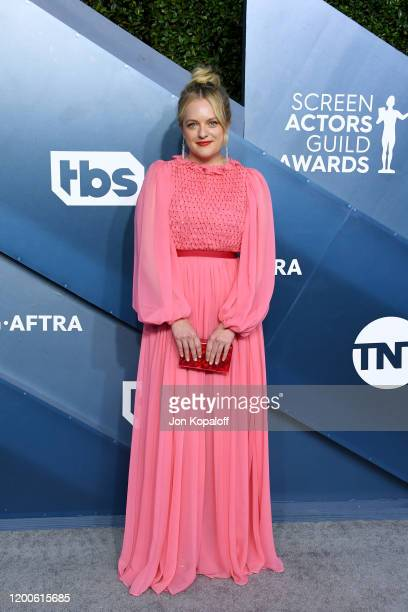 Elisabeth Moss attends the 26th Annual Screen ActorsGuild Awards at The Shrine Auditorium on January 19, 2020 in Los Angeles, California.
