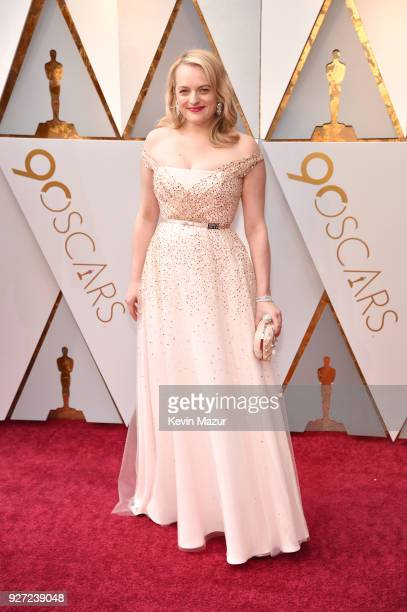 Elisabeth Moss attends the 90th Annual Academy Awards at Hollywood & Highland Center on March 4, 2018 in Hollywood, California.