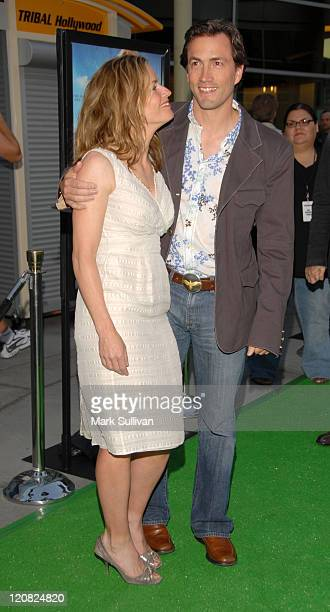 Elisabeth Shue and Andrew Shue during 'Gracie' Los Angeles Premiere Arrivals at ArcLight Theaters in Hollywood California United States