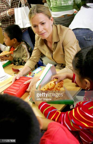 Elisabeth Shue during DonorsChooseorg Launch America's Most Innovative Charity at Grand View Boulevard Elementary School in Los Angeles California...