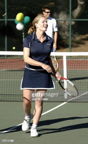 Elisabeth Shue Tennis Photos et images de collection ...