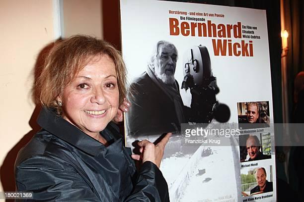Elisabeth Wicki Endriss Bei Der Premiere Des Kinofilms Verstörung Eine Art Von Poesie Die Filmlegende Bernhard Wicki Im Filmtheater Sendlinger Tor In...