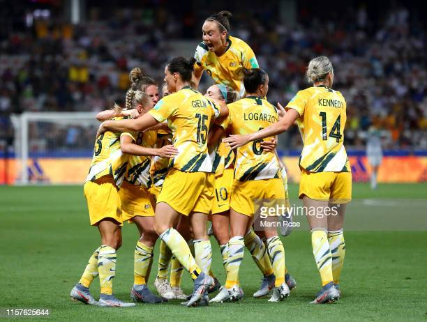 Elise KellondKnight of Australia celebrates with teammates after scoring her team's first goal during the 2019 FIFA Women's World Cup France Round Of...
