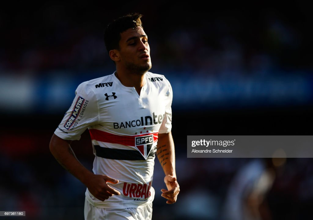 Elivelton of Sao Paulo in action during the match between Sao Paulo and Atletico MG for the Brasileirao Series A 2017 at Morumbi Stadium on June 18, 2017 in Sao Paulo, Brazil.