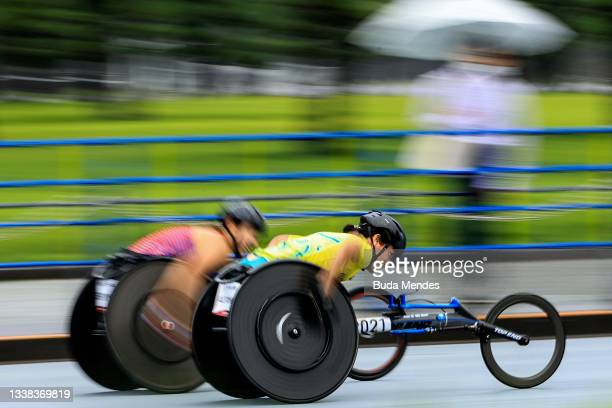 Eliza Ault Connell of Team Australia competes during the Women's Marathon - T54 on day 12 of the Tokyo 2020 Paralympic Games on September 05, 2021 in...