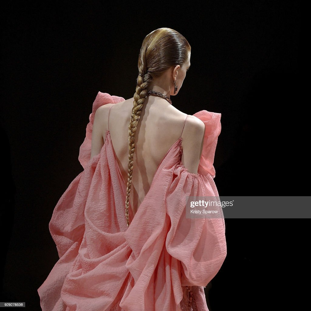 Instant Views - Paris Fashion Week Womenswear Fall/Winter 2018/2019 : News Photo