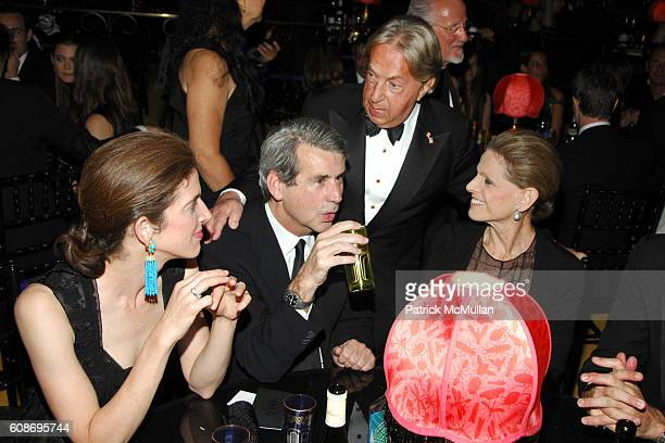 Eliza Reed Bolen Patrick McCarthy Arnold Scaasi and Annette de la Renta attend The 2007 CFDA Fashion Awards at The New York Public Library on June 4...