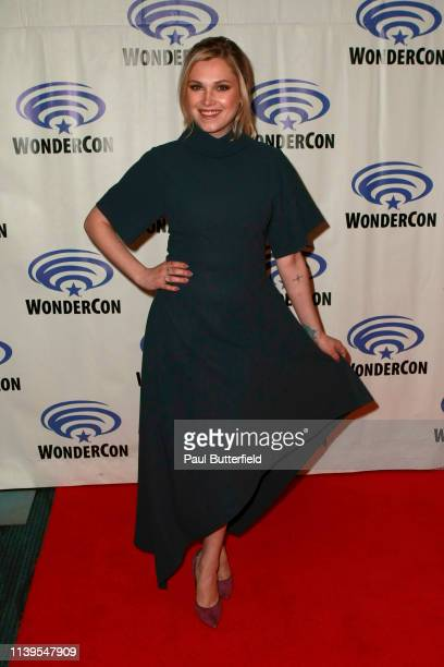 Eliza Taylor attends the 'The 100' press line during WonderCon 2019 at Anaheim Convention Center on March 31 2019 in Anaheim California