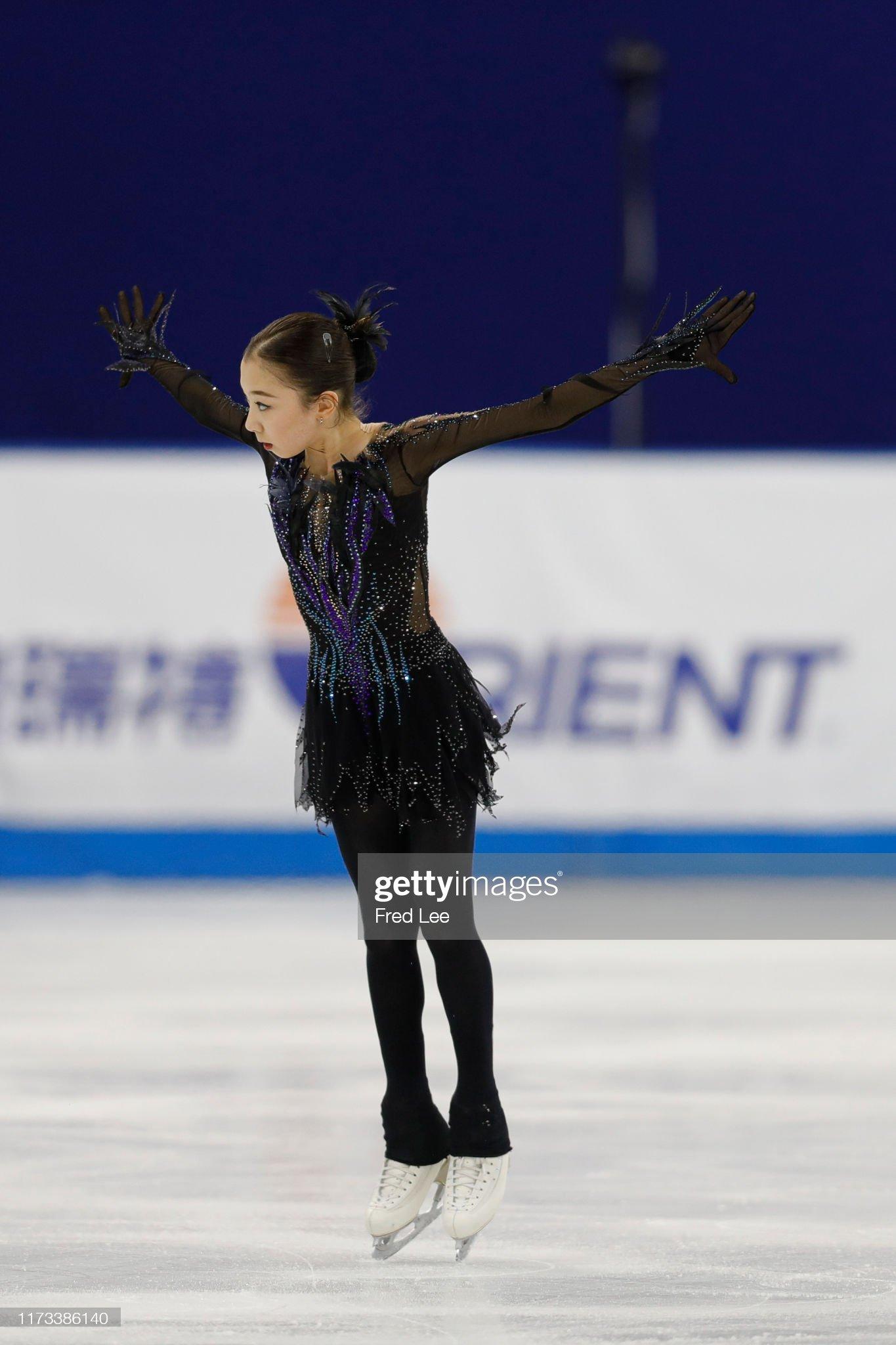 Shanghai Trophy (Invitational). 3-5 октября 2019. Шанхай (Китай) - Страница 3 Elizabet-tursynbaeva-of-kazakhstan-competes-in-the-ladies-short-the-picture-id1173386140?s=2048x2048