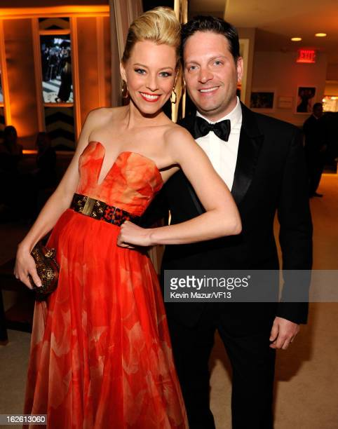 Elizabeth Banks and Max Handelman attend the 2013 Vanity Fair Oscar Party hosted by Graydon Carter at Sunset Tower on February 24 2013 in West...