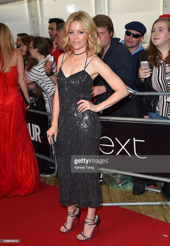 Elizabeth Banks arrives for the Glamour Women Of The Year Awards in Berkeley Square Gardens on June 7, 2016 in London, United Kingdom.