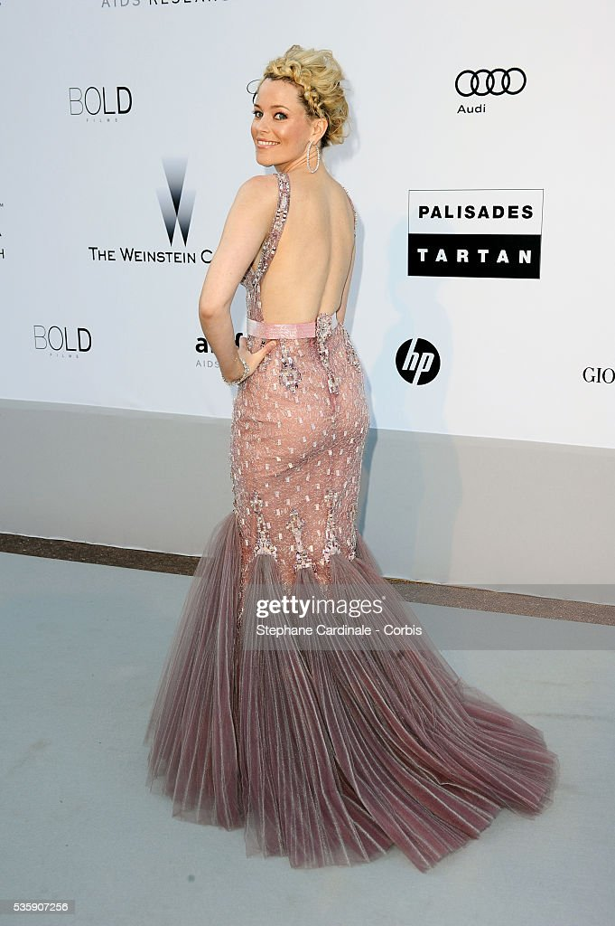 Elizabeth Banks attends the '2010 amfAR's Cinema Against AIDS' Gala - Arrivals