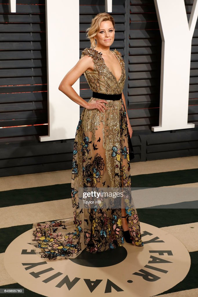 Elizabeth Banks attends the 2017 Vanity Fair Oscar Party at Wallis Annenberg Center for the Performing Arts on February 26, 2017 in Beverly Hills, California.