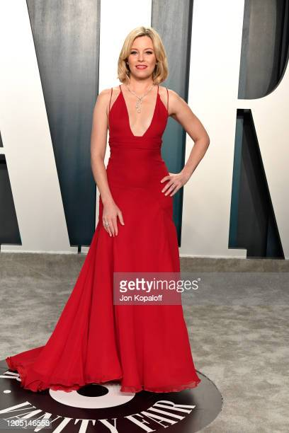 Elizabeth Banks attends the 2020 Vanity Fair Oscar Party hosted by Radhika Jones at Wallis Annenberg Center for the Performing Arts on February 09...