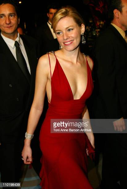 Elizabeth Banks during 2004 Vanity Fair Oscar Party - Arrivals at Mortons in Beverly Hills, California, United States.