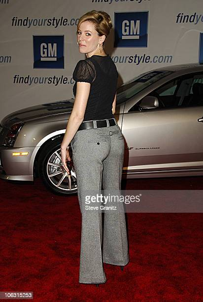 Elizabeth Banks during General Motors Annual ten Celebrity Fashion Show Arrivals in Los Angeles California United States