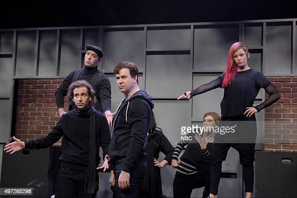 LIVE Elizabeth Banks Episode 1688 Pictured Beck Bennett Kyle Mooney Taran Killam Kate McKinnon and Elizabeth Banks during the High School Theater...