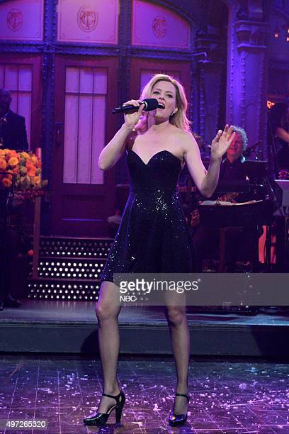 LIVE 'Elizabeth Banks' Episode 1688 Pictured Elizabeth Banks during the monologue on November 14 2015