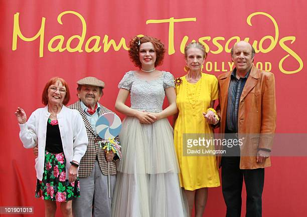 Elizabeth Barrington, her husband actor Jerry Maren, actress Margaret O'Brien and Judy Garland's son Joey Luft pose with Garland's wax figure at it's...