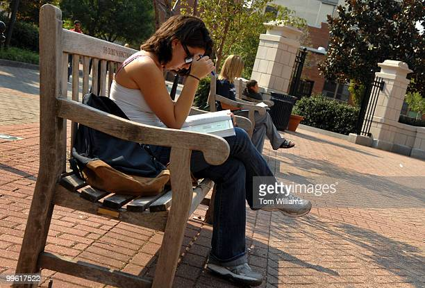 Elizabeth Bernett freshman studiesGeorge Washington University's Kogan Plaza