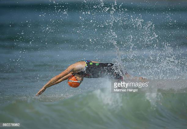 Elizabeth Bravo of Ecuador warms up prior to the Women's Triathalon on Day 15 of the Rio 2016 Olympic Games at Fort Copacabana on August 20 2016 in...