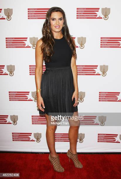 Elizabeth Chambers arrives at the Israeli Philharmonic Orchestra's Lifetime Achievement Award Ceremony honoring Hans Zimmer held at Wallis Annenberg...